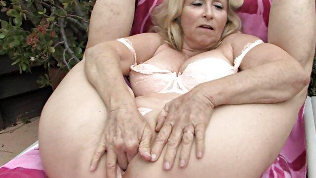 Petits et gros seins sex xxl gratis lesbiennes baisent Whit Starpon