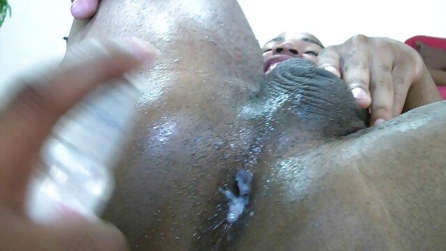 Femme chaude partagée xxxl porno video gratuit par 2 BBC