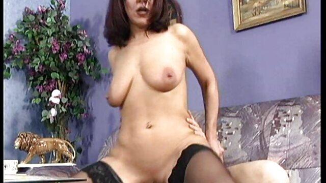 De plus en vidéo pornographique xxl plus de choses dans son cul