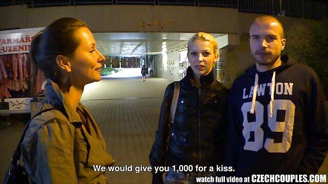 La salope britannique Evelyn joue avec elle-même dans diverses scènes xxl promo video gratuit