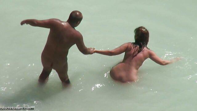Adolescent sur la plage vidéos pornographiques xxl - nudiste lesbo