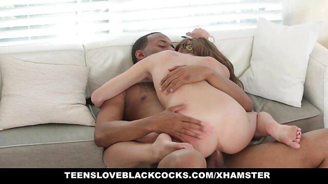 MILF asiatique se fait baiser en bas film pornographie xxl