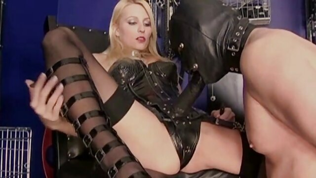 La salope britannique Syren Sexton se fait baiser dans des filets vidéo xxl porno français de pêche