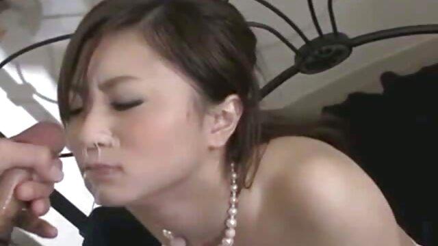 Kim Kong réalise film porno xxl porno son fantasme