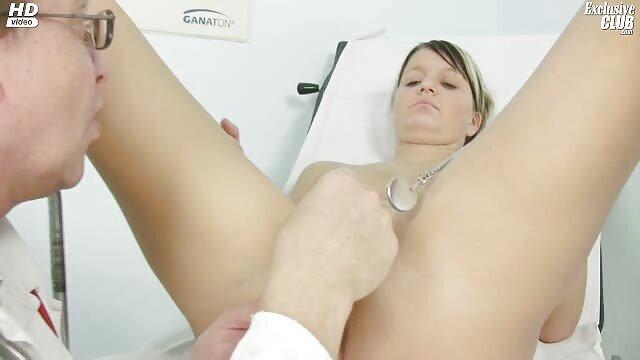 HOT BLONDE xxxl video porno gratuit BAISÉE PAR UN PETIT AMI !!