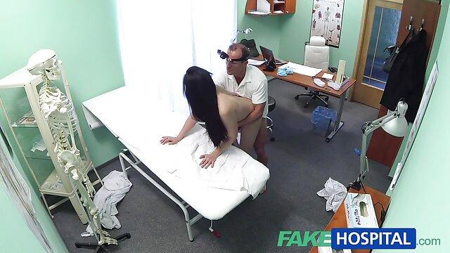Caméra cachée dans le sex xxxl gratis couloir 1